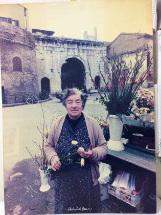 """Addio alla """"Maria dei fiori"""", gestiva un chiosco al Pincio"""