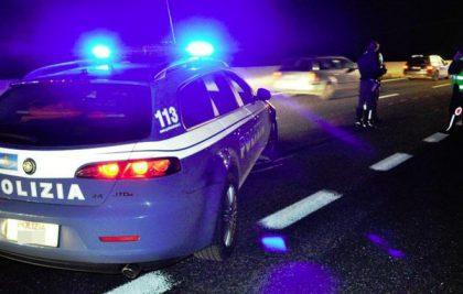 Viaggia contromano in autostrada. Panico tra Fano e Pesaro