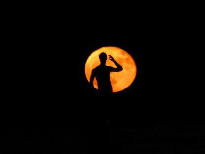 A Fano la Superluna riaccende un sogno: il Super Lisippo