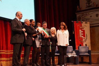 Pietro Grasso: Consegna della cittadinanza onoraria a Divane  Dignity