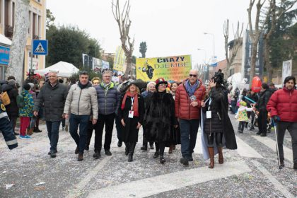 Amministrazione, Ente Carnevalesca e il colonnello Morico danno il via al Carnevale - Ph Massimo Maggioli - Copia