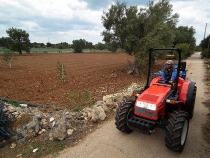 Macchine agricole: la viabilità passa alla Regione