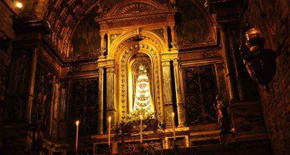 La statua della Madonna di Loreto nella città fanese