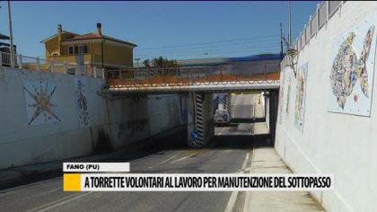 A Torrette volontari al lavoro per manutenzione del sottopasso – VIDEO