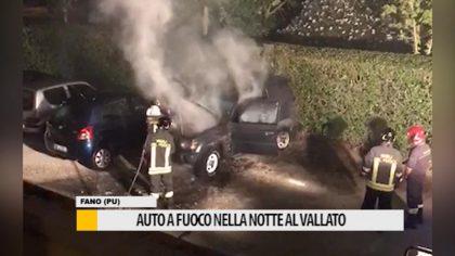 Auto a fuoco nella  notte al Vallato
