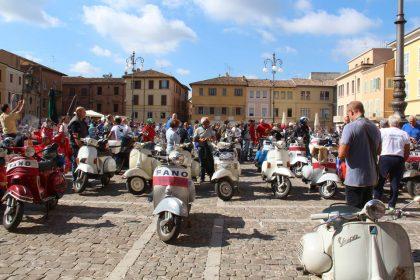 Vespisti di tutta Italia a Fano  per l'8^ edizione del Raduno Riviera dell'Adriatico