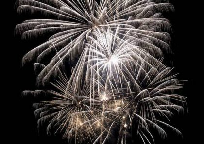 ++ Fuochi d'artificio confermati ore 23.30 ++