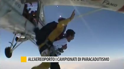 All'aeroporto i mondiali di paracadutismo – VIDEO