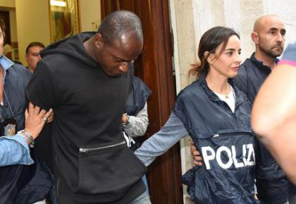 Stupri Rimini, Butungu ha lavorato in un ristorante a Fano – VIDEO