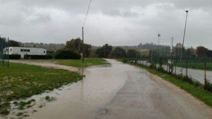 Piove, le strade si allagano e i cittadini protestano (leggi)