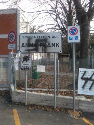 Anna Frank, Facebook blocca il profilo del sindaco di Pesaro Matteo Ricci