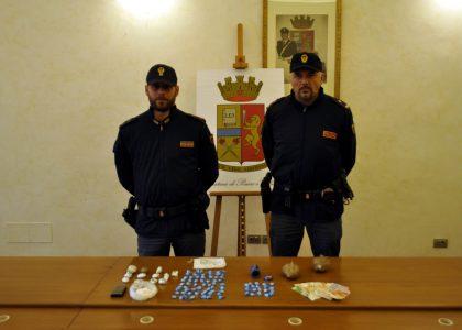 Arrestato in piazza a Pesaro spacciatore: aveva con sé 19 dosi di cocaina