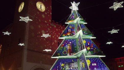 Un Natale fanese virale con il photowalk FanoXmasLight – VIDEO