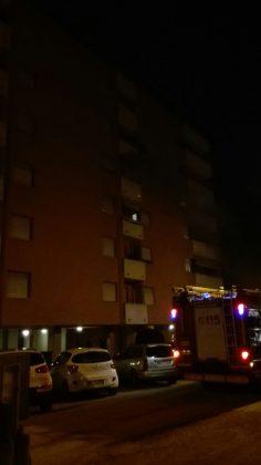 Incendio nella notte in via Soncino quartiere Sant'Orso