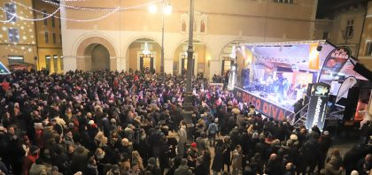 Capodanno Fano: grande successo, Disco Diva conquista tutti – VIDEO