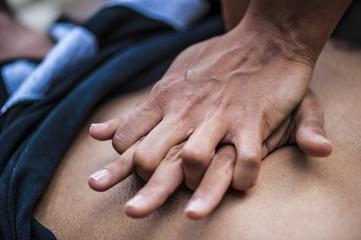 Primo soccorso: a scuola si insegna il massaggio cardiaco