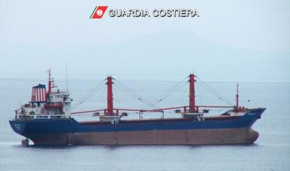 Collisione cargo-peschereccio al largo di Fano, nessun ferito