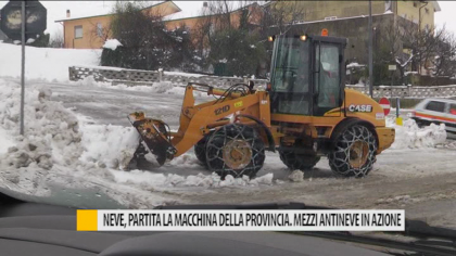 Neve, partita la macchina della provincia. Mezzi antineve in azione – VIDEO