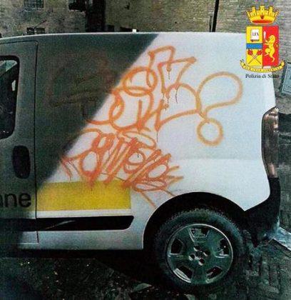 Auto Poste e muri imbrattati,due denunce