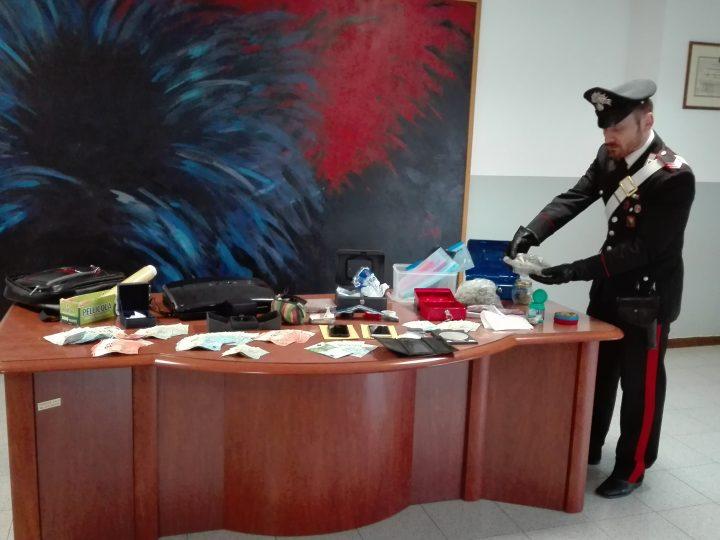 Marijuana nel secchio di un pittore, arrestato trentasettenne