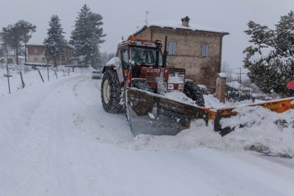 Allerta neve: martedì scuole chiuse anche a Cagli, Urbania, Fermignano, Pergola e Frontone
