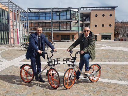 Ricci battezza la prima bici della nuova era bike sharing
