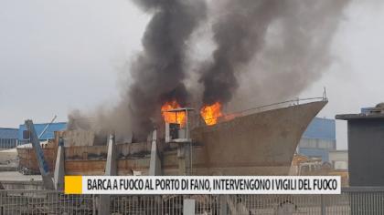 Barca a fuoco al porto di Fano, intervengono i vigili del fuoco – VIDEO