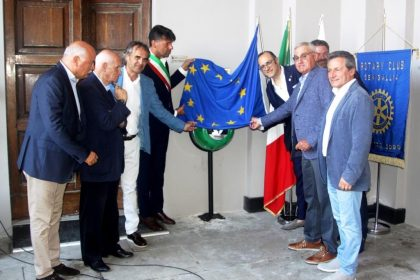 Cinque nuovi defibrillatori in prossimità delle principali piazze di Senigallia