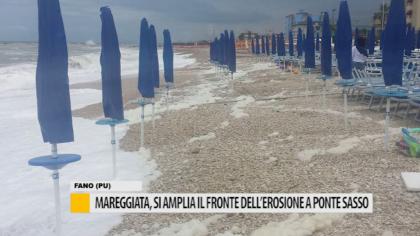 Mareggiata, si amplia il fronte dell'erosione a Ponte Sasso – VIDEO