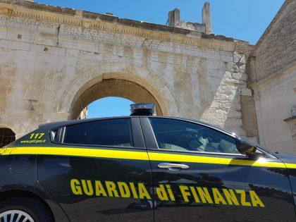 Badante sottrae ad anziana 130mila euro, scoperta dalla Guardia di Finanza – VIDEO