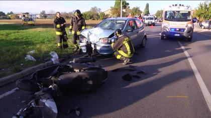 Incidente tra auto e moto a Sant'Orso di Fano: interviene l'eliambulanza – VIDEO