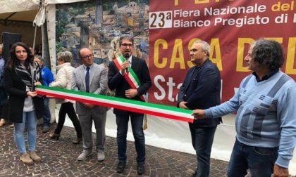 CioccoVisciola di Natale, Pergola entra nel club de I Borghi più belli d'Italia. Cerimonia e consegna della Bandiera