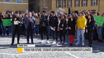 """""""Friday For Future"""", studenti scioperano contro i cambiamenti climatici – VIDEO"""