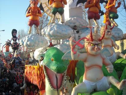 Il Carnevale scalda i motori. Domenica 16 la prima sfilata