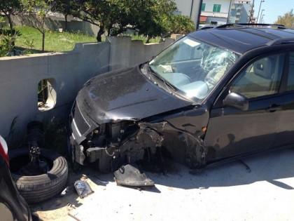 Scontro fra due auto a Marotta, ferita una donna