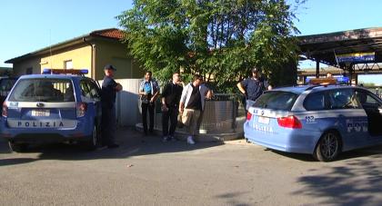 Spacciatore ingoia ovuli di cocaina, due arresti in stazione