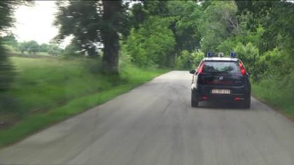 A folle velocità in strada. Inseguito dai carabinieri