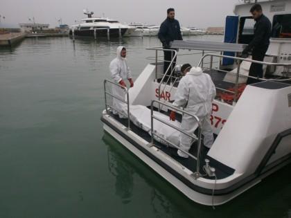 Recuperato in porto il cadavere di un marittimo turco disperso