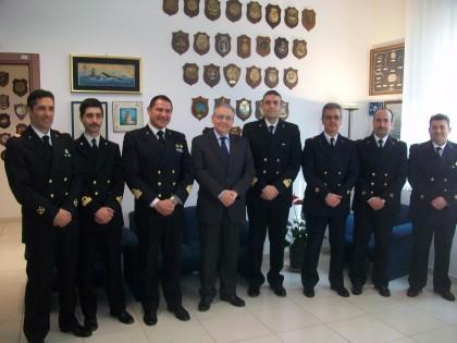 Il Prefetto Luigi Pizzi in visita alla Guardia Costiera