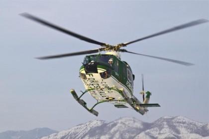 Maltempo, emergenza valanghe: Forestale recupera dieci persone isolate