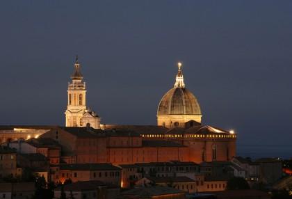 Basilica di Loreto al buio, Delegazione pontificia stacca la spina