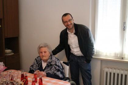 Emilia Baldelli spegne cento candeline e festeggia con il sindaco