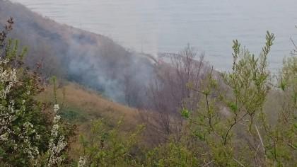 A fuoco oltre 2.000 quintali di paglia e fieno