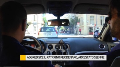 Aggredisce, sequestra e rapina il patrigno, arrestato un 52enne – VIDEO