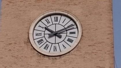 Sistemata la lancetta dell'orologio di piazza XX Settembre