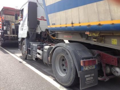 Code  tra Fano e Pesaro per le asfaltature