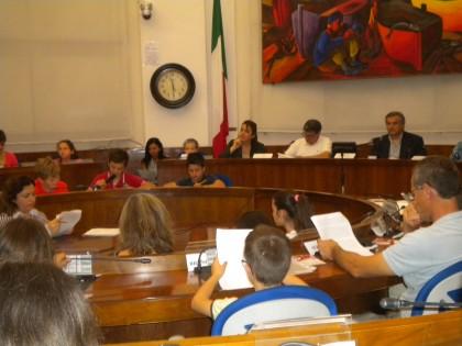 Consiglio comunale coi bambini, decine le richieste dei più piccoli