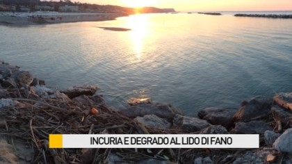 Incuria e degrado al Lido di Fano – VIDEO