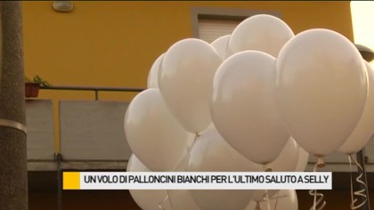 Fiori, peluches e palloncini bianchi per l'ultimo saluto a Selly – VIDEO