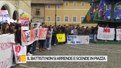 Il 'Battisti' scende in piazza per salvaguardare l'autonomia dell'Istituto – VIDEO – FOTO